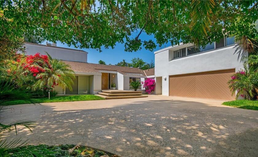 Michael Hertzberg's Beverly Hills Post Office home | Hot Property