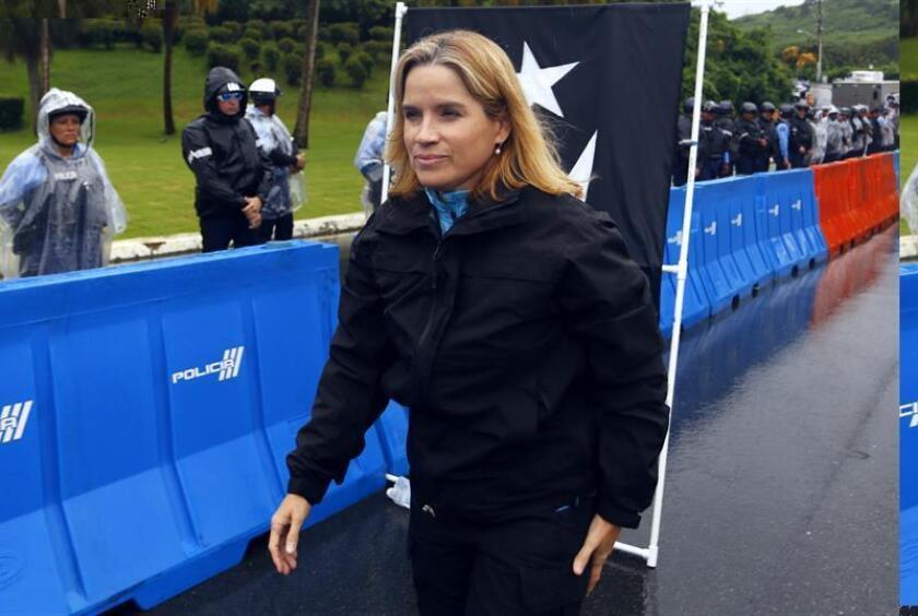 La alcaldesa de San Juan, Carmen Yulín Cruz, participa en una manifestación. EFE/Archivo