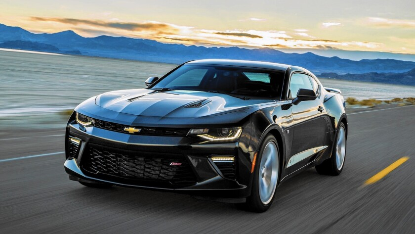 Fotos De Camaro 2016 >> 2016 Chevrolet Camaro Turns Up The Heat During A Drive To