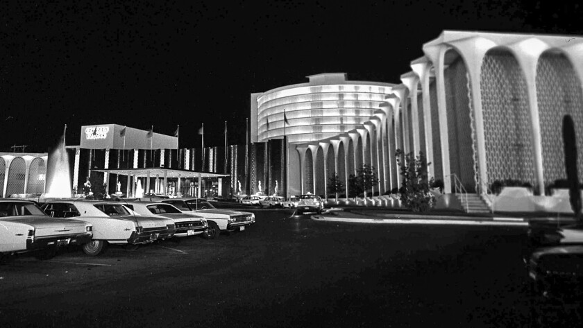In 1966, guests could turn in off Las Vegas Boulevard and park just steps from the front door. The front entrance is now is used for valet parking.