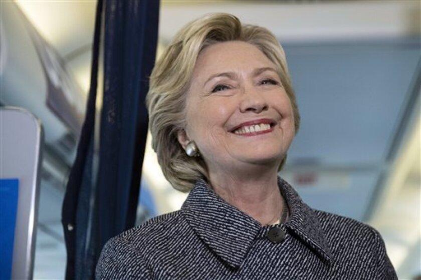 """Donald Trump dijo que mostró clase durante el primer debate presidencial al no mencionar las infidelidades del expresidente Bill Clinton. Pero las insinuó, habló de ellas inmediatamente después de que concluyera el debate y luego envió a sus principales allegados a que hicieran lo mismo""""."""