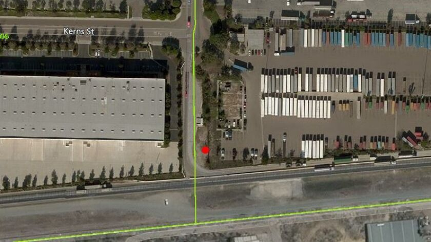 A red dot shows the tunnel location on Drucker Lane north of La Media Road and the Mexican border.