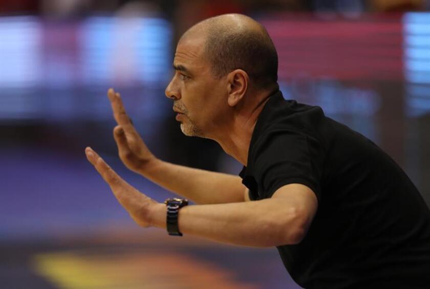 El técnico Sergio Hernández de Argentina. EFE/Archivo