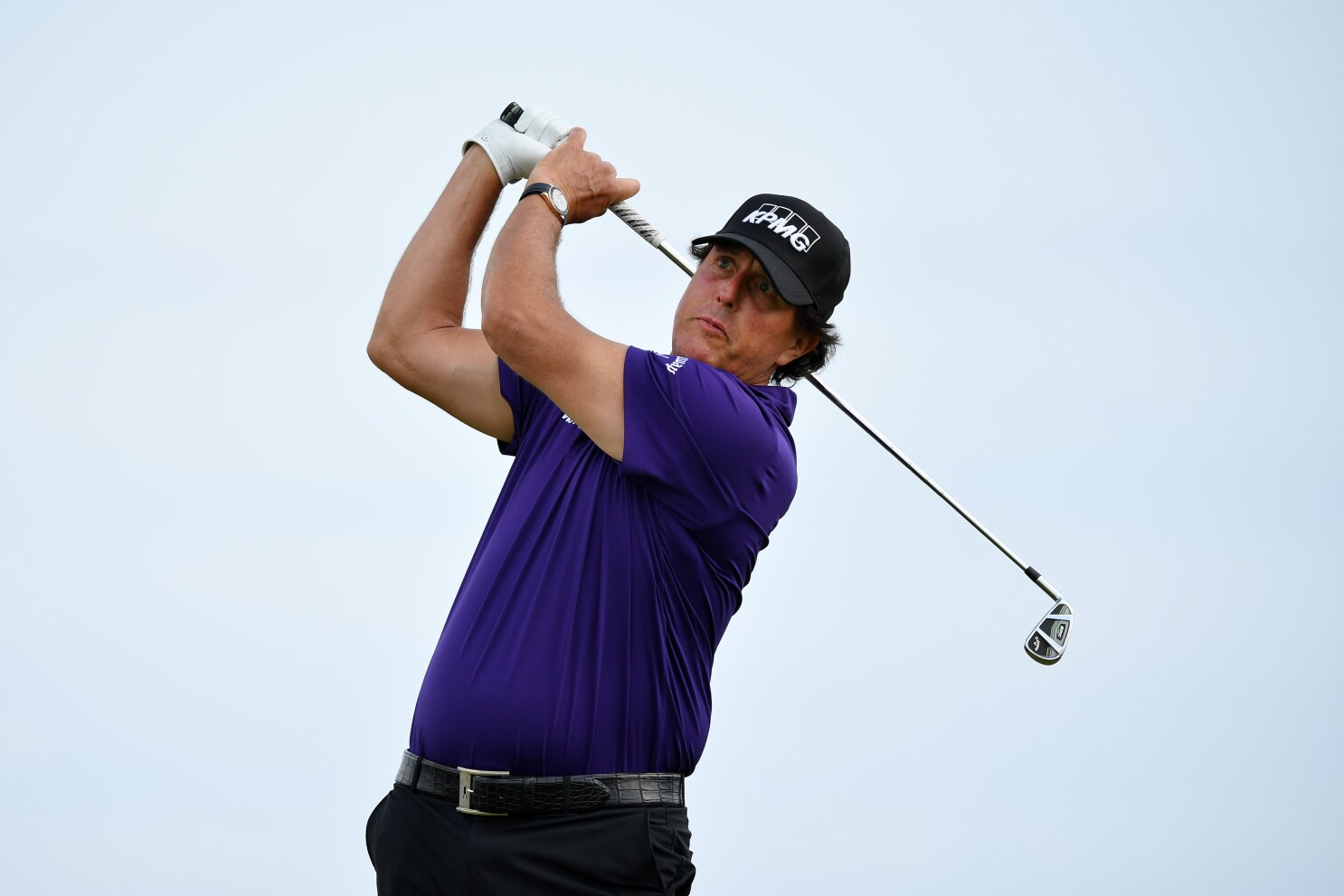 Phil Mickelson's Sunday: lightning, fire, police and then some golf