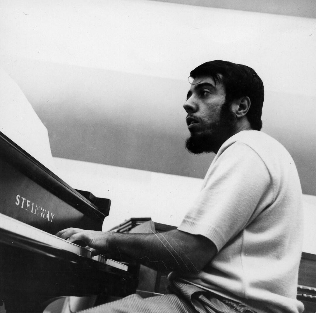 Não especificado - por volta de 1970: Retrato de Sergio Mendes Foto: Michael Oaks Archive / Getty Images