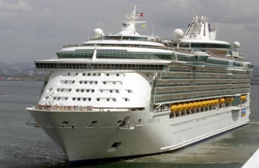 Dos turistas estadounidenses de 55 y 62 años de edad, respectivamente, fueron encontrados muertos en el interior de uno de los seis barcos cruceros que atracaron el miércoles en el puerto de San Juan, informó hoy la Policía. EFE/ARCHIVO