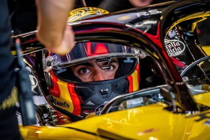 El piloto español de Fórmula Uno Carlos Sainz, de Renault, durante la primera sesión de entrenamientos libres en el circuito de Las Américas en Austin, Texas (Estados Unidos), el 19 de octubre de 2018. EFE