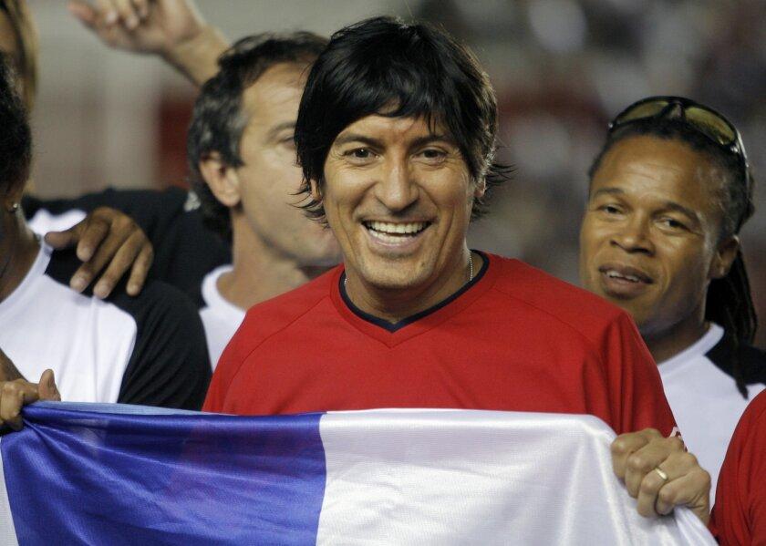"""""""Me hace muy feliz que la gente siga recordando lo que hice en este club"""", dijo el exfutbolista chileno Iván Zamorano."""