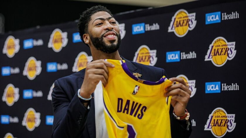 newest 6c6a5 1f5eb Anthony Davis and LeBron James present one new concern for ...