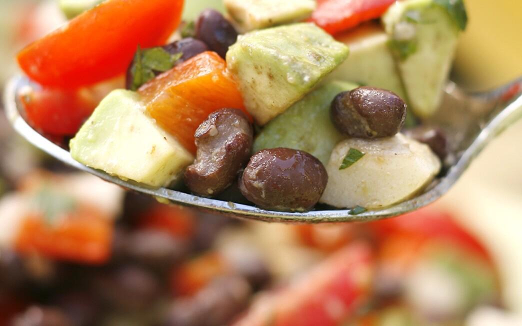 Brazilianesque black bean salad