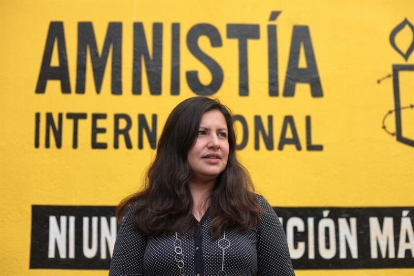 La directora de Amnistía Internacional para América, Erika Guevara, habla durante una entrevista con Efe, en Ciudad de México. EFE/Archivo