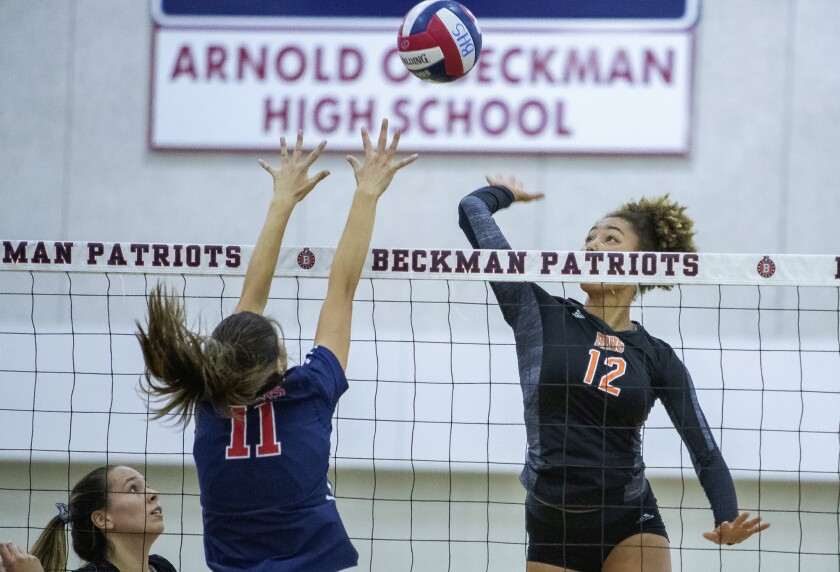 High School Roundup: Huntington Beach girls' volleyball sweeps Los Alamitos