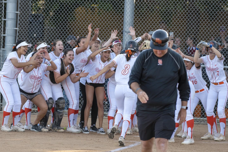 Photo Gallery: Huntington Beach vs. Esperanza in softball