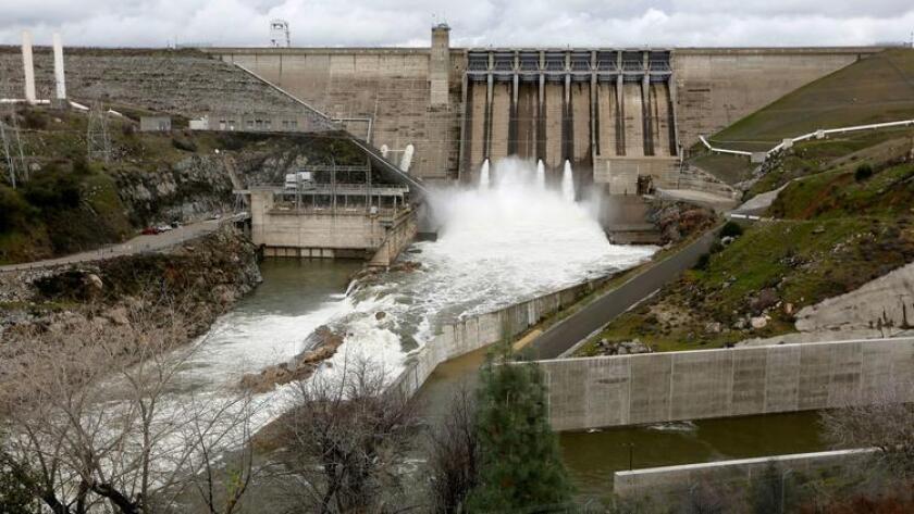 Lake Shasta, el embalse más grande del estado y una fuente importante de agua para la agricultura del Valle de San Joaquín, está lleno en un 81% y libera agua para crear más espacio de almacenamiento.