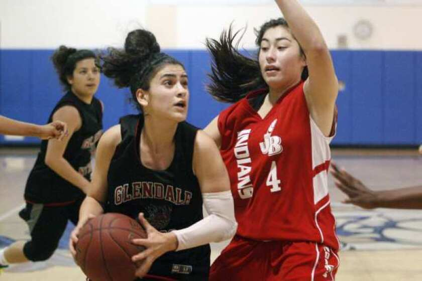 Aysia Shellmire leads Burroughs basketball past Nitros