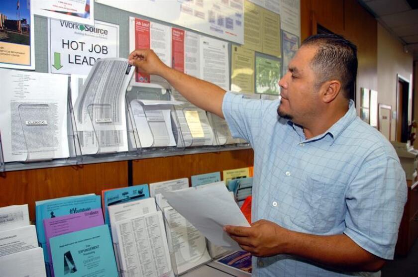 Las solicitudes semanales del subsidio por desempleo subieron en 21.000 la semana pasada y quedaron en un total de 275.000, informó hoy el Departamento de Trabajo. EFE/ARCHIVO