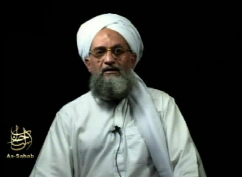 El líder de Al Qaeda Ayman al-Zawahri aparece en un video, tomado en algún lugar desconocido