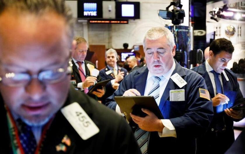 Wall Street cierra con ganancias al disiparse el temor por tensión EEUU-China
