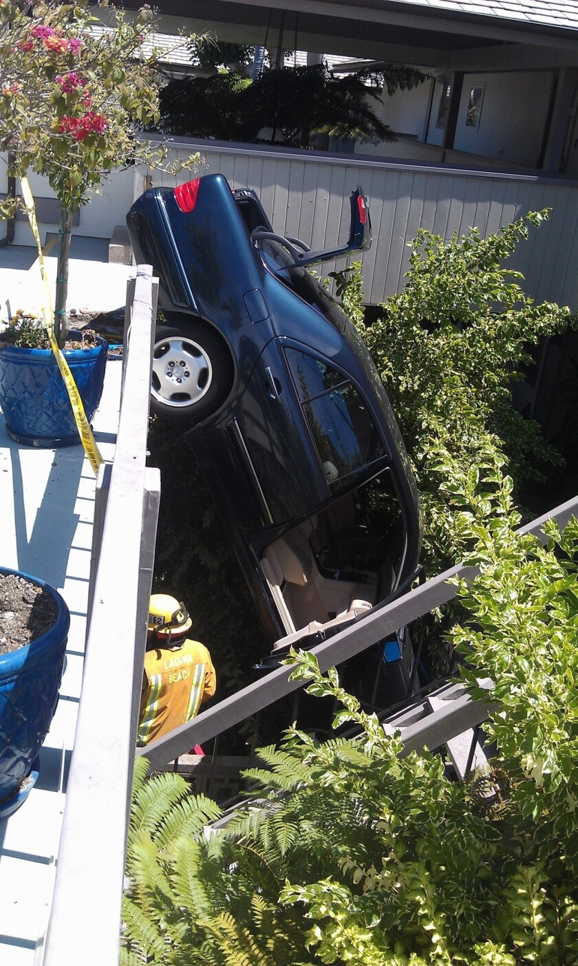 Driver barrels into apartment building