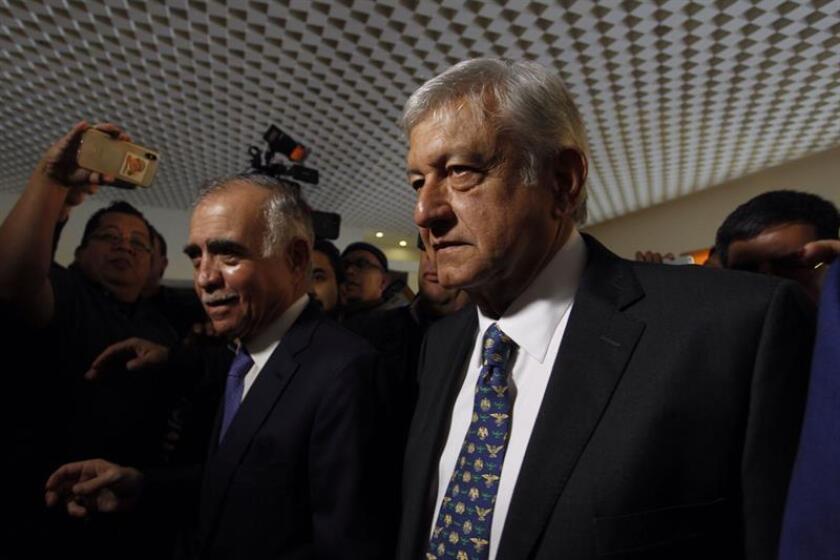 López Obrador planea invertir en jóvenes y ancianos 7.660 millones dólares