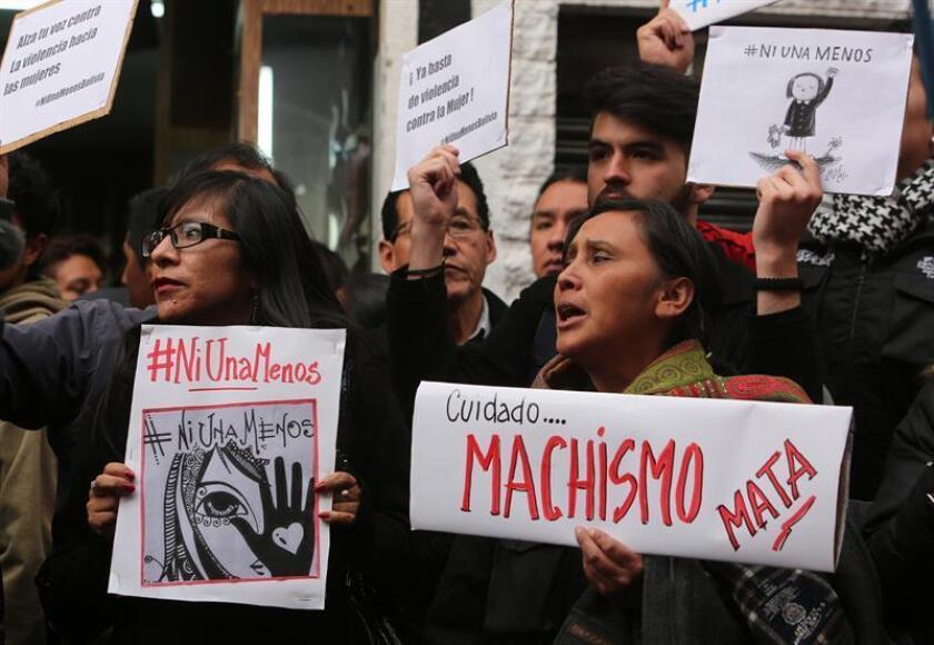 Una marcha y un concierto de rock gratuito en el centro histórico de Ciudad de México para protestar contra la violencia machista culminarán las actividades programadas el domingo por el Día Internacional de la Eliminación de la Violencia contra la Mujer en el país latinoamericano. EFE/Archivo