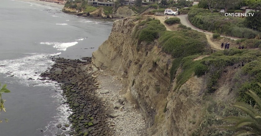 Body of a man at bottom of a cliff in La Jolla