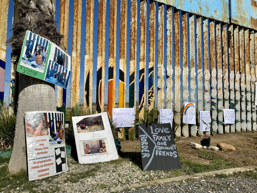 Messages of support placed on Sunday, January 12, on the Mexican side of the binational garden in the Parque de la Amistad