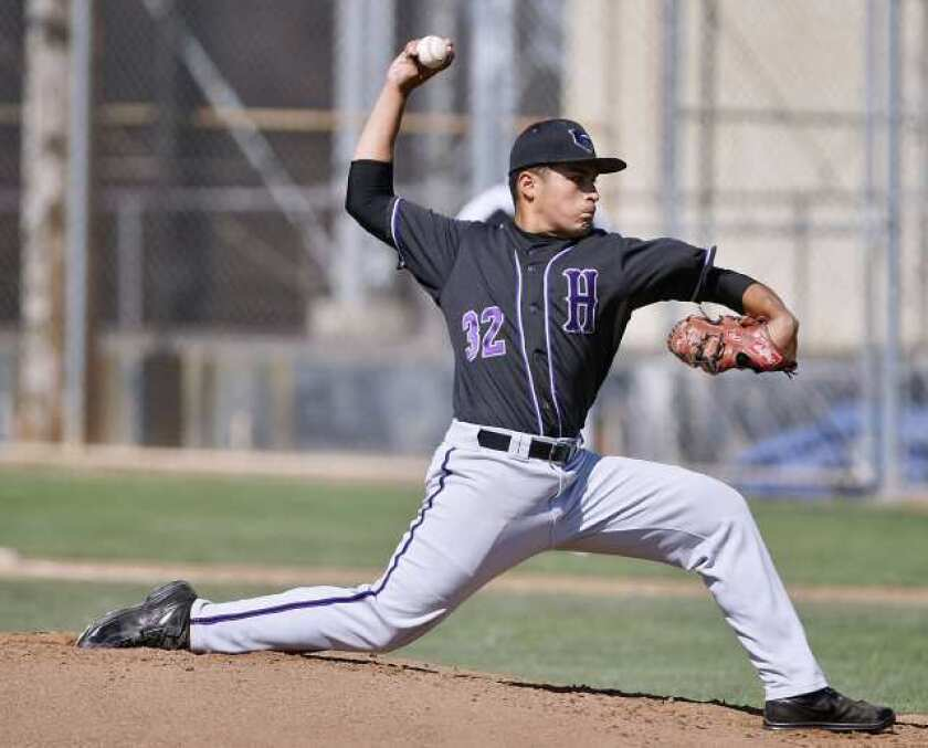 Hoover High baseball prevails against rival Glendale
