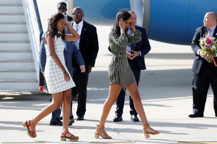 Las hijas del expresidente George W. Bush, Barbara Bush y Jenna Bush Hager, escribieron una carta a las del actual presidente, Barack Obama, Malia y Sasha Obama (imagen), sobre la vida después de la Casa Blanca. EFE/ARCHIVO
