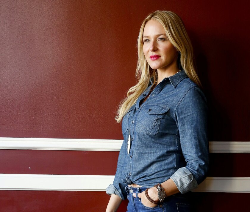 """In this Sept. 10, 2015 photo, Jewel poses for a portrait to promote her latest album, """"Picking Up the Pieces,"""" at The Standard in Nashville, Tenn. (Photo by (Donn Jones/Invision/AP)"""