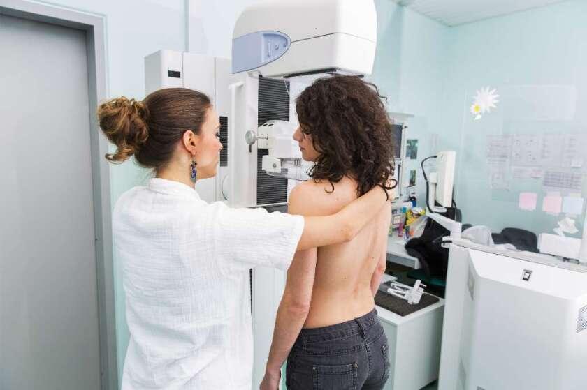 Cuidado, latinas son más propensas a morir por cáncer del seno