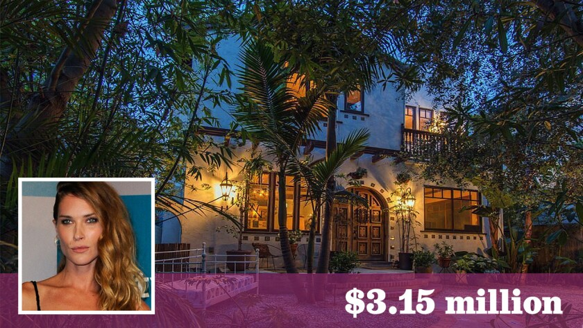 Model Erin Wasson Sells Bohemian Retreat In Venice For 3 15 Million Los Angeles Times