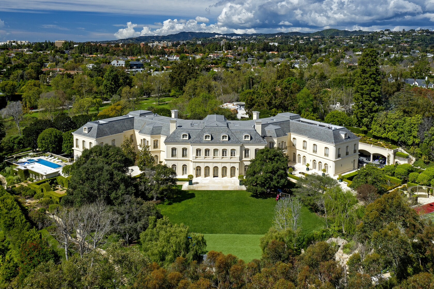 Most Expensive House In La >> These Are The Most Expensive Homes Ever Sold In Los Angeles