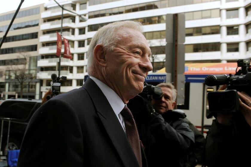 En la imagen, el dueño de los Cowboys de Dallas, Jerry Jones. EFE/Archivo