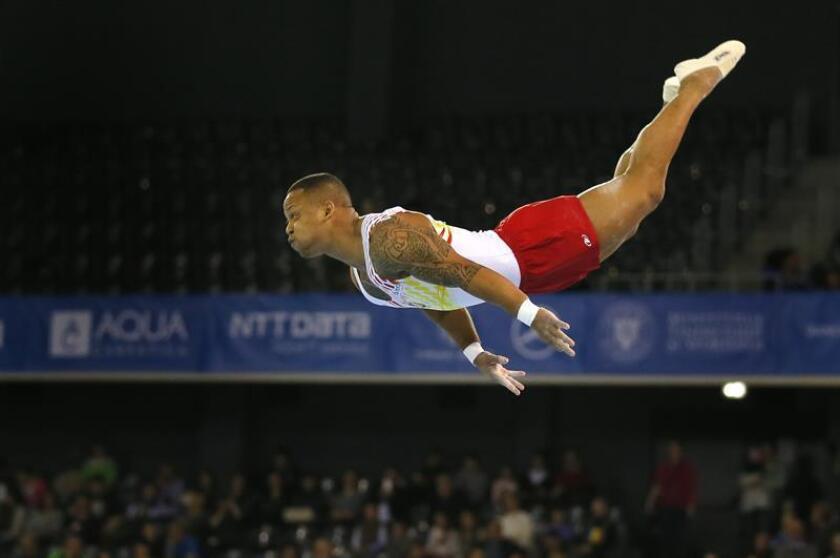 El gimnasta español Ray Zapata durante un ejercicio de la modalidad masculina de suelo en un campeonato europeo. EFE/Archivo