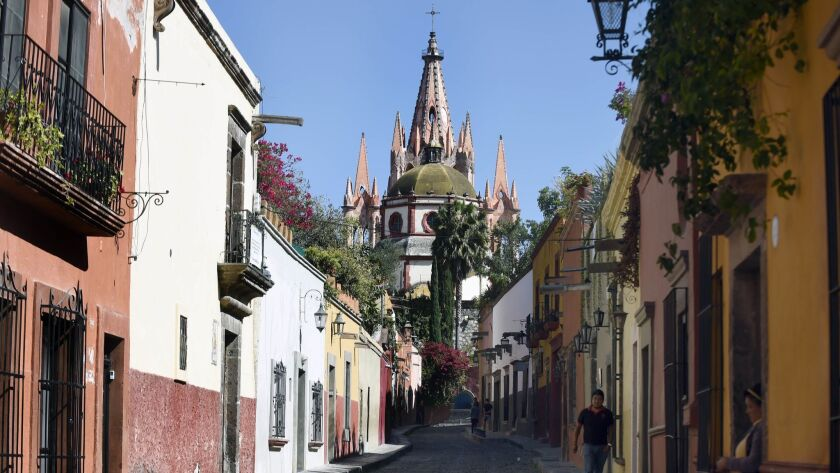 Two Chilean fugitives put down roots in colonial San Miguel de Allende, the trendy, foreigner-friendly haven 175 miles northwest of Mexico City.