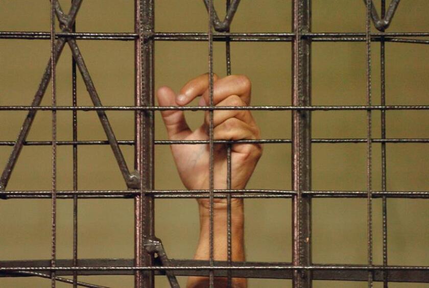 El salario medio de los presos en las cárceles estatales es de 0,20 dólares por cada hora, mientras que el salario mínimo nacional está fijado en 7,25 dólares. EFE/Archivo
