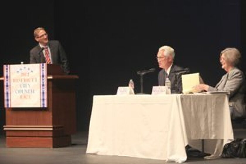(L-R) Moderator Thad Kousser, San Diego District 1 City Council candidates Ray Ellis (R) and incumbent Sherri Lightner (D). Photo/Daniel Lew
