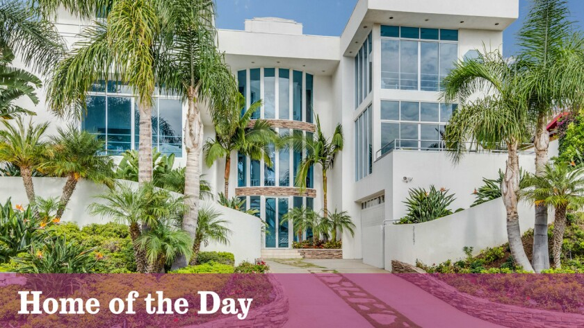 Home of the Day: Walls of glass and ocean views on Broad Beach