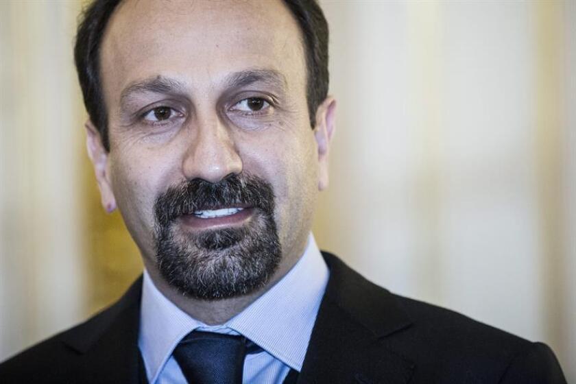 """El cineasta iraní Asghar Farhadi, nominado al Óscar por """"El viajante"""", anunció hoy que no acudirá a la ceremonia en respuesta al veto decretado por el presidente de EE.UU., Donald Trump, a la entrada de ciudadanos de Irán y de otros países de mayoría musulmana. EFE/Archivo"""