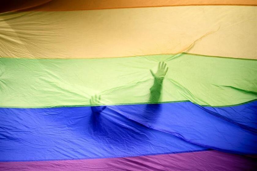 Una bandera LGBTQ. EFE/Archivo
