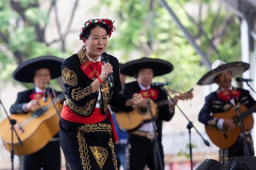 Un grupo de mariachis se presenta hoy, martes 28 de agosto de 2018, durante el XXV Encuentro Internacional del Mariachi, que se lleva a cabo en la ciudad de Guadalajara, Jalisco (México). EFE