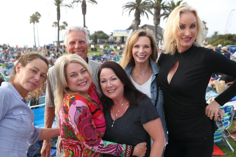 Laina Schechtman, Carrie Woodland, Hal Baerg, Maria Parnell, Amy Wynne, Sophia Alsadek