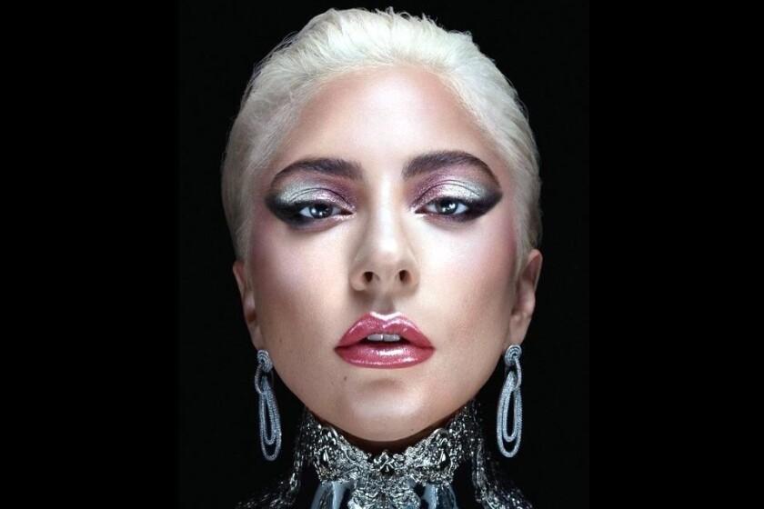 Lady Gaga, linea de cosmeticos,amazon, venta, compra, cosméticos