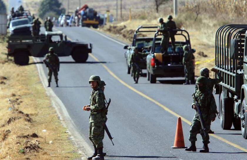 Un juez absolvió al militar Isidro Gómez, acusado de ejecutar extrajudicialmente a un presunto ladrón de combustible en el municipio de Palmarito, en el céntrico estado mexicano de Puebla, en unos mediáticos hechos que se saldaron con diez muertos. EFE/Archivo