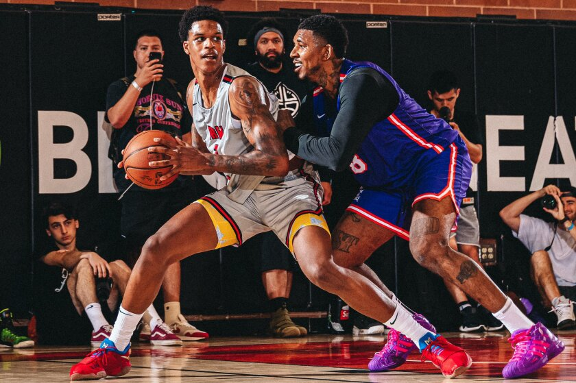 """Shareef O'Neal posts up Nick """"Swaggy P"""" Young in the Drew League"""