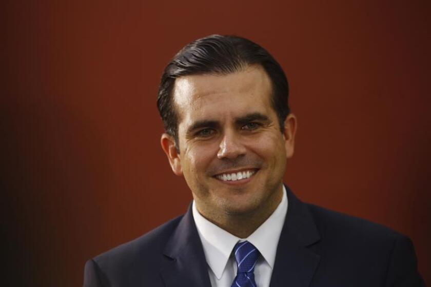 El gobernador electo de Puerto Rico, Ricardo Rosselló, pidió hoy a los jefes de agencia del Ejecutivo, que comenzará su andadura el próximo enero, que logren un mejor rendimiento en sus departamentos con menos presupuesto, dada la precaria situación de las finanzas públicas. EFE/ARCHIVO