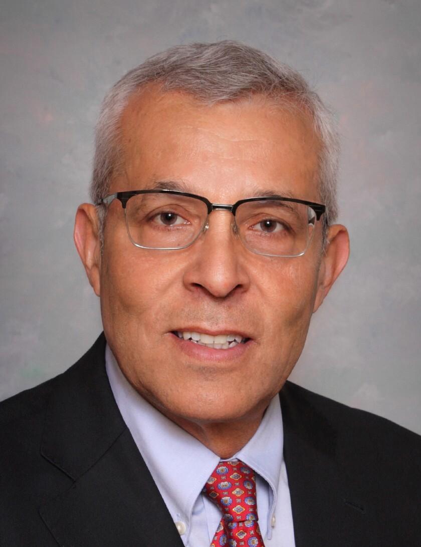 O médico Juan Félix é profesor de Medical College of Medical Wisconsin, tamén é vicepresidente de anatomía patolóxica e director de patoloxía cirúrxica na mesma entidade.