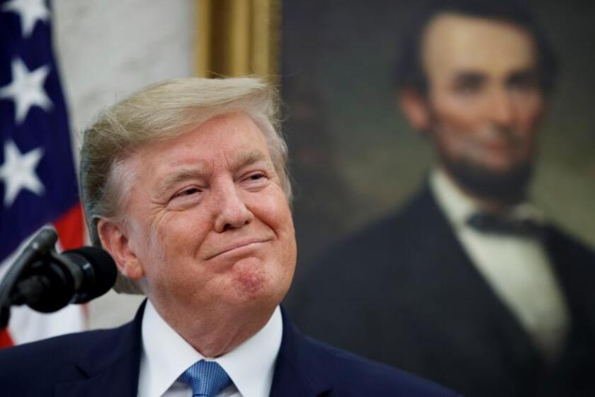 Trump desvía otros 3.600 millones del Pentágono para el muro con México