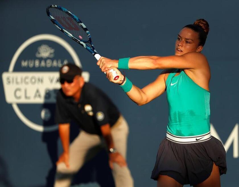 La tenista griega Maria Sakkari fue registrada este viernes al enfrentar a la estadounidense Venus Williams, durante un partido de cuartos de final del Mubadala Silicon Valley Classic, en San José (California, EE.UU.). EFE